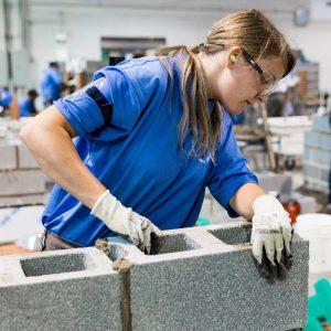 female-brick-apprentice-2015-IAC